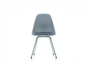 Eames Plastic Chair EPC DSX z tapicerowana poduchą