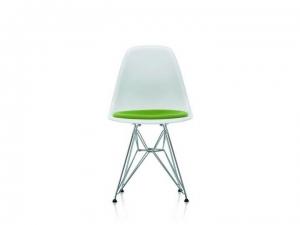 Eames Plastic Chair EPC DSR z tapicerowaną poduchą