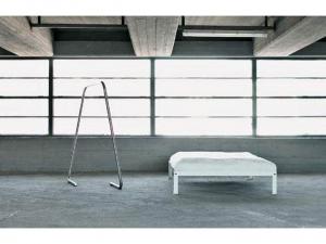 Loop bed