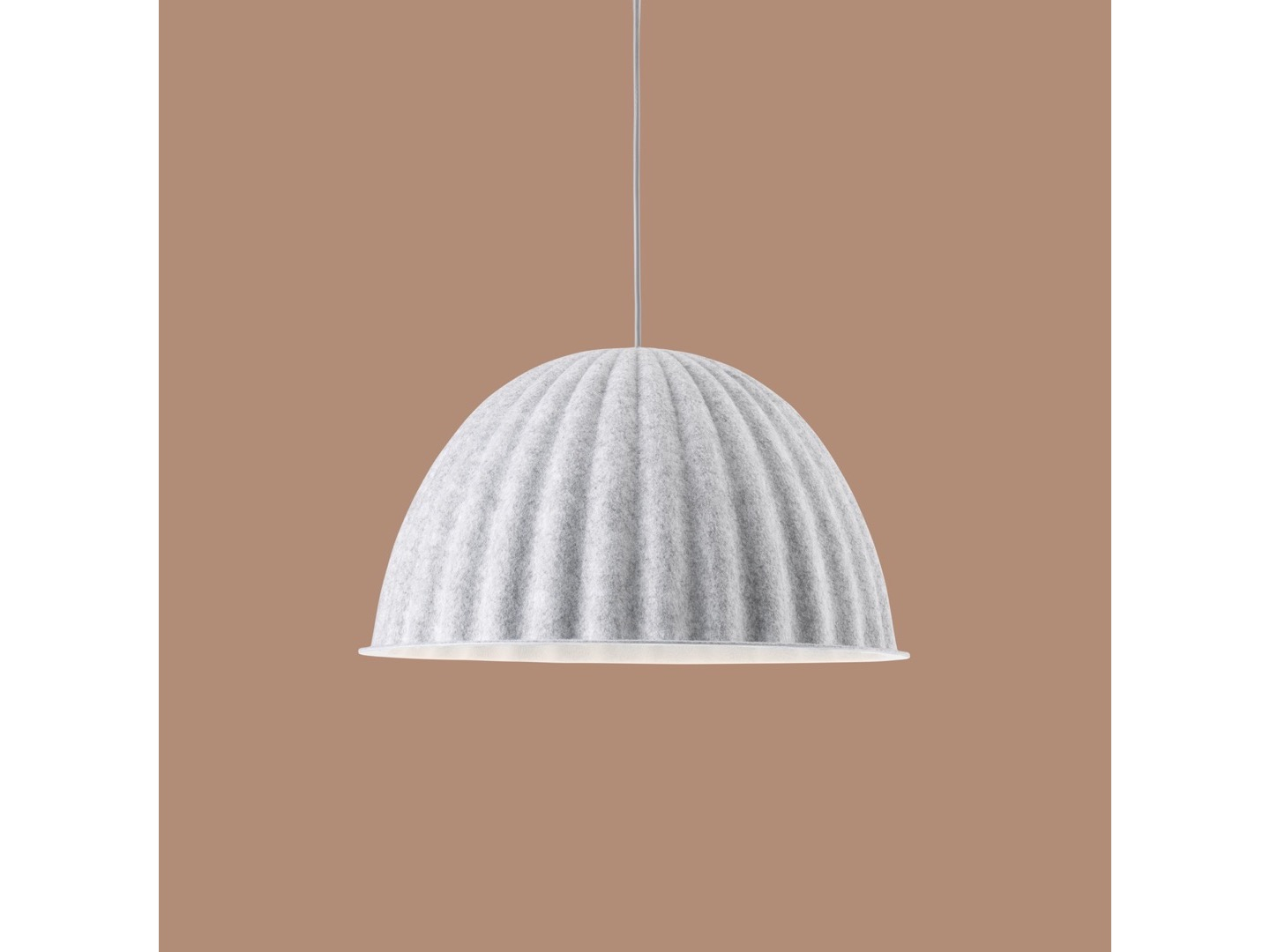 Under the bell  SMALL - lampa wisząca  - muuto